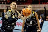 A.White'as greitai pritapo Tenerifės klube (FIBA Europe nuotr.)