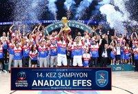 """""""Anadolu Efes"""" laimėjo Turkijos lygos kovas"""