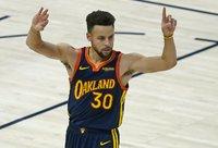 S.Curry vėl perkopė 30 taškų ribą (Scanpix nuotr.)