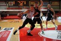 """T.Zdanavičius vedė komandą į pergalę (""""Optibet Summer League"""" nuotr.)"""