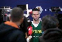 M.Kalnietis džiaugėsi galimybe sugrįžti į Lietuvą (BNS nuotr.)