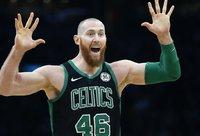 """A.Baynesas pratęsė kontraktą su """"Celtics"""" (Scanpix nuotr.)"""