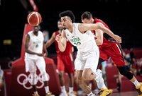 J.Nwora pergalės neatnešė (FIBA nuotr.)