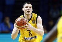 """J.Mačiulis pataikė tik 2 metimus iš 8 """"iš žaidimo"""" (FIBA Europe nuotr.)"""
