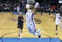 R.Westbrooko dėjimai kartais ir nesibaigia efektingai (Scanpix nuotr.)