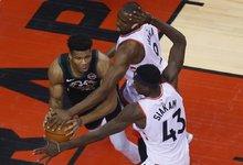 "NBA: ""Raptors"" – ""Bucks"""