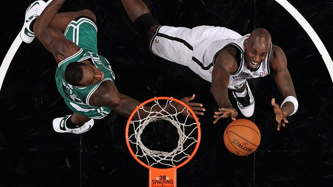 "K.Garnettas po ilgos pertraukos žaidė prieš ""Celtics"" (Scanpix)"