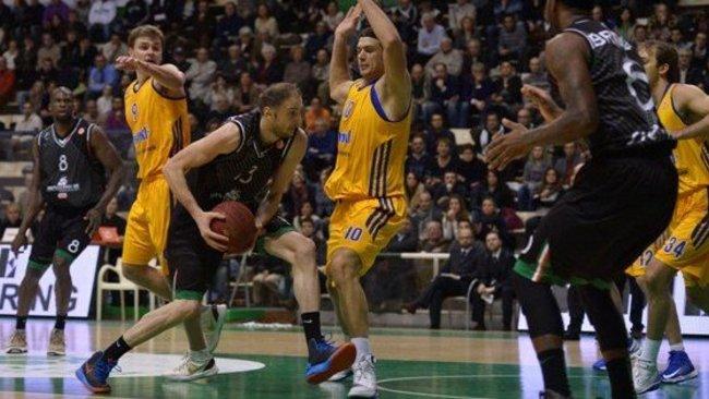 V.Sanikidze palieka Italijos čempionus (Scanpix nuotr.)