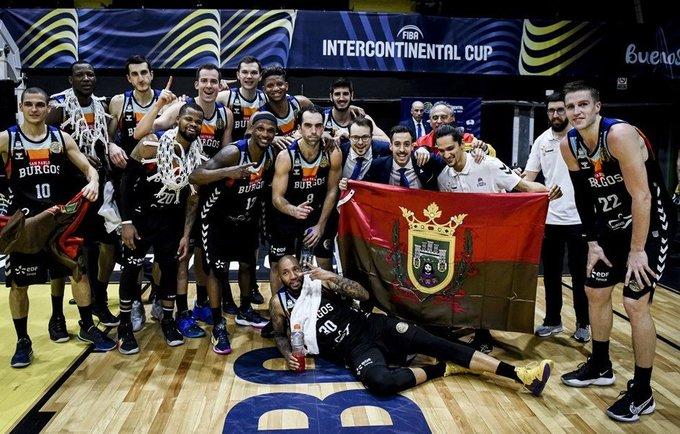 Burgoso ekipa iškovojo trofėjų (FIBA nuotr.)