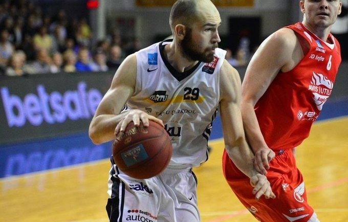 D.Milka žais Islandijoje