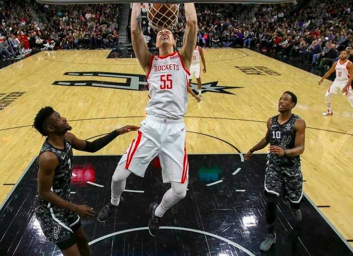 "I.Hartensteinas kitą sezoną bus pilnavertis ""Rockets"" narys (Foto: USA TODAY Sports)"