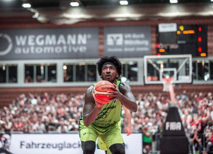 R.Thomasas domina LKL čempionus (FIBA Europe nuotr.)