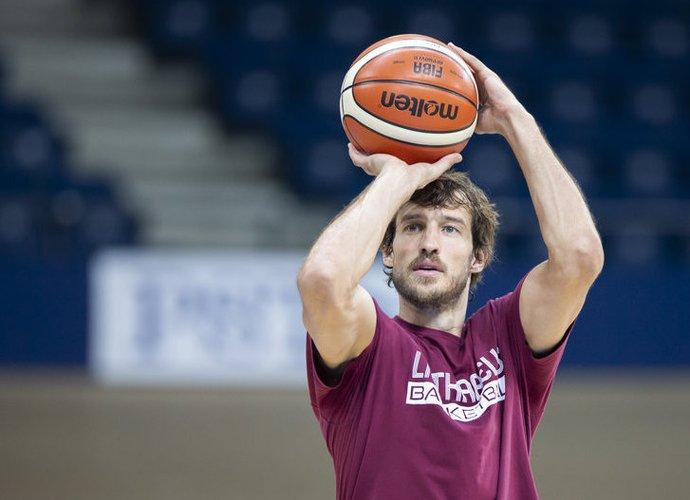 S.Jasaitis bus vyriausias žaidėjas komandoje (www.kavolelis.lt)