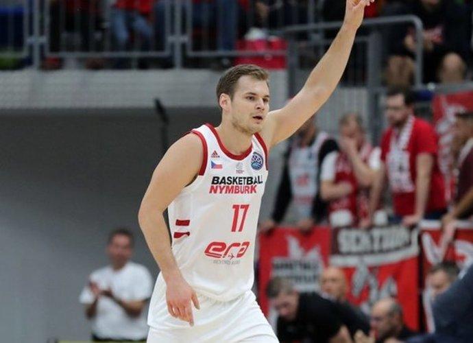 J.Bohačikas išlaiko galingą žaidimą (FIBA nuotr.)