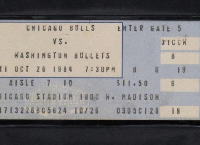 Bilietas į debiutines M.Jordano rungtynes parduotas už solidžią sumą