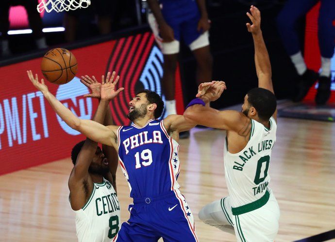R.Neto lieka NBA (Scanpix nuotr.)