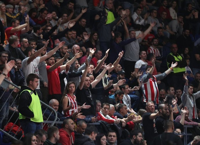 Belgrado ekipos sirgaliai ekipai ir vėl užtraukė baudą