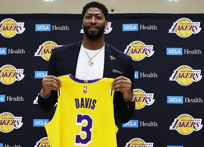 """A.Davisas turėtų tapti centrine """"Lakers"""" figūra (Scanpix nuotr.)"""