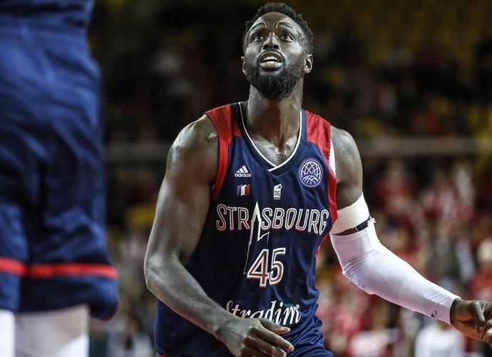 J.Grantas gins AEK garbę (FIBA Europe nuotr.)