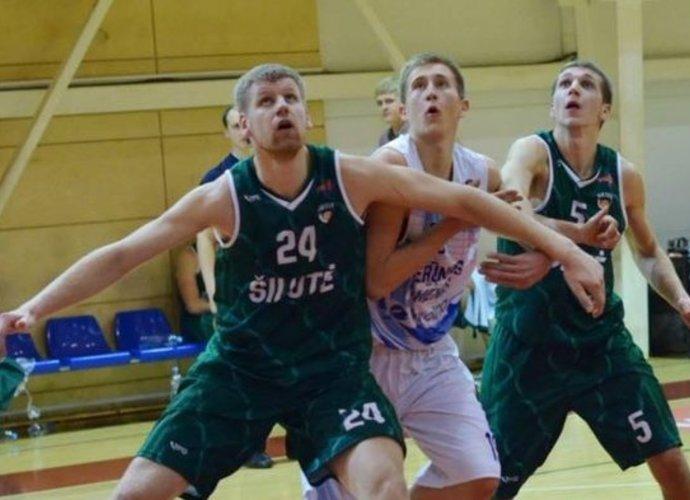 N.Anglickis (pirmas iš kairės) keliasi į Joniškio komandą (A.Čižos nuotr.)