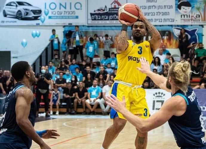 Ch.Jonesas vedė Tel Avivo ekipą į finalą