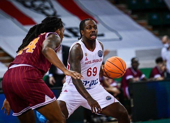 J.Brownas yra PAO akiratyje (FIBA Europe nuotr.)