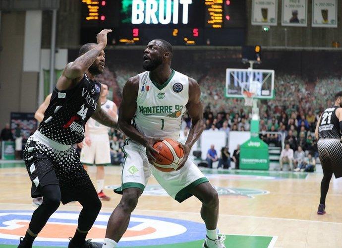 D.Treadwellas atvyksta į Prienus (FIBA nuotr.)
