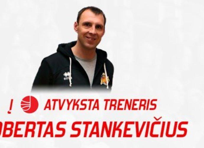 """R.Stankevičius dirbs Utenoje (""""Facebook"""" nuotr.)"""
