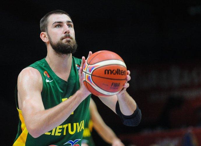 J.Valančiūnas turėtų būti simboliniame čempionato penketuke (Fotodiena.lt)