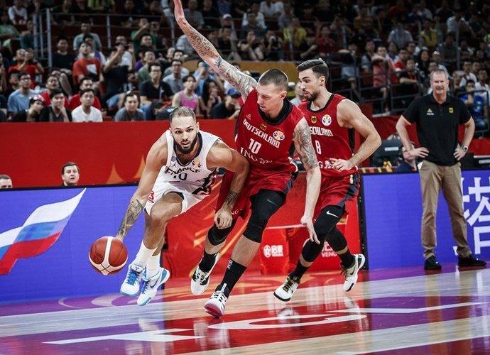 E.Fournier surinko dvigubą dublį (FIBA nuotr.)