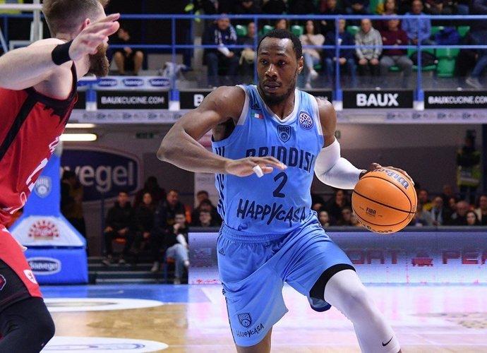 D.Suttonas vėl pakeitė klubą (FIBA Europe nuotr.)