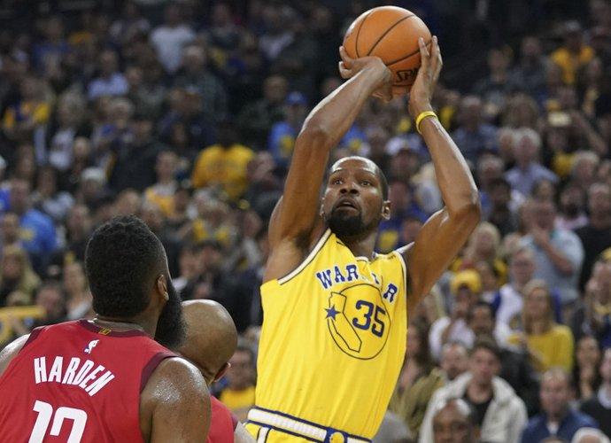 """K.Durantas ir """"Knicks"""" vis dažniau linksniuojami kartu (Scanpix nuotr.)"""