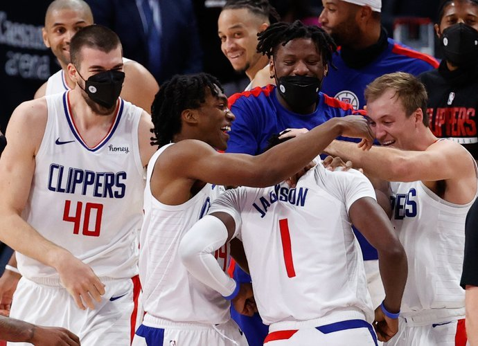 """""""Clippers"""" už pergalę dėkoja R.Jacksonui (Scanpix nuotr.)"""