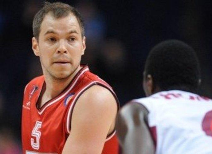 Steponas Babrauskas tiki savo komandos draugu (Fotodiena.lt)