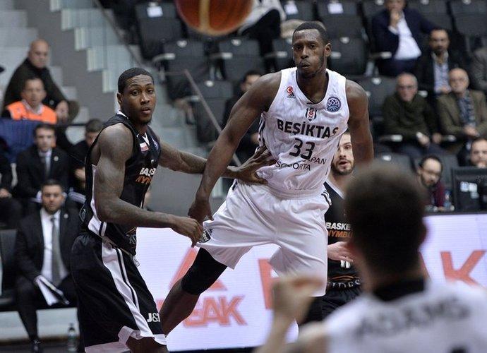 J.Palaciosas keliasi į Prancūziją (FIBA Europe nuotr.)