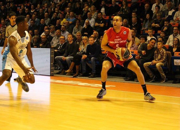 E.Lasisi gavo griežtą suspendavimą (FIBA Europe nuotr.)