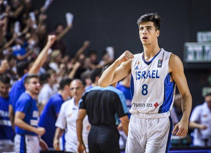 D.Avdija švenčia pelnytą auksą (FIBA Europe nuotr.)