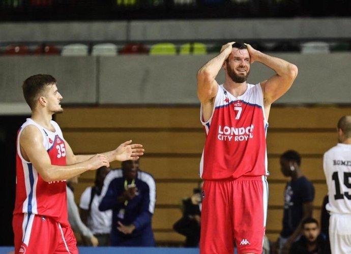D.Lavrinovičius pelnė 11 taškų