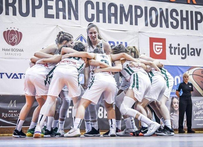 Aštuoniolikmetės įveikė kaimynes (FIBA nuotr.)
