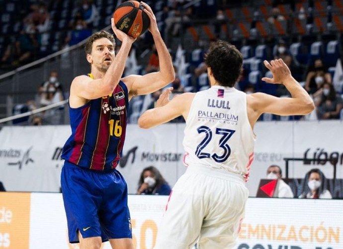 Barselonos ekipa finalo serijoje startavo pergalingai