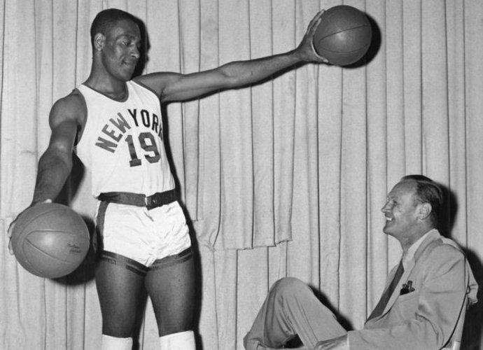 N.Cliftonas buvo vienas iš pirmųjų NBA juodaodžių