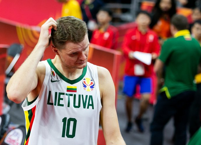 R.Seibutis praleis sezoną be krepšinio (BNS nuotr.)