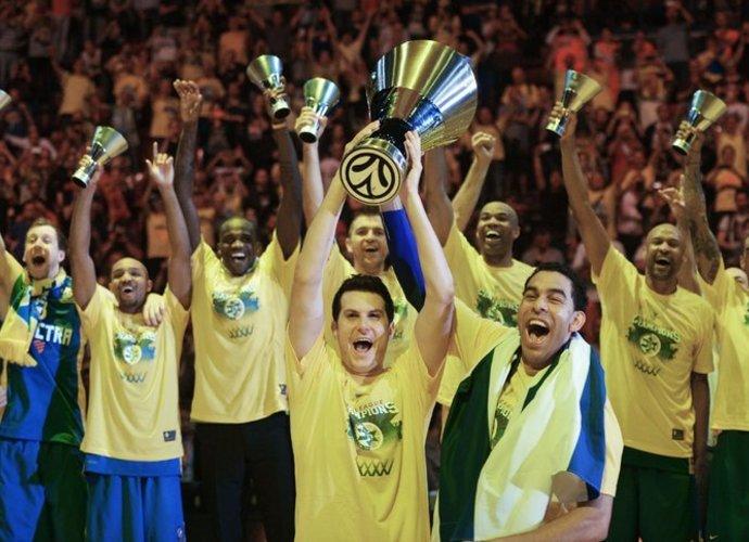 """Praėjusiais metais """"Maccabi"""" nustebino viso Europą ir laimėjo Eurolygą (Scanpix nuotr.)"""
