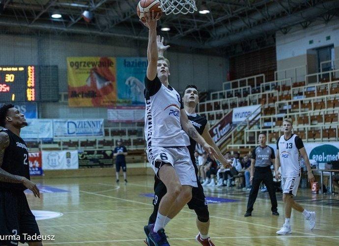 J.Gintvainis pelnė 16 taškų