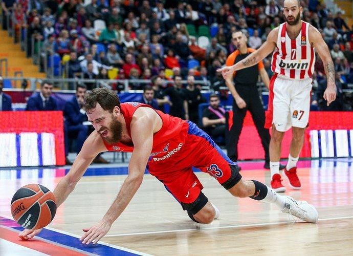 CSKA komandos prezidentas liko nepatenkintas žaidėjų gynyba prieš V.Spanoulį (Scanpix nuotr.)