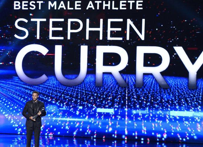 S.Curry sulaukė pripažinimo (Scanpix nuotr.)