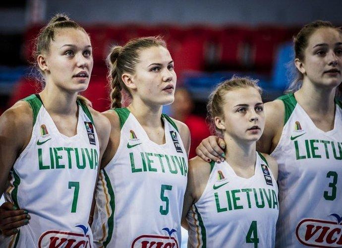 Dvidešimtmetės pusfinalyje kausis su Baltarusija (FIBA nuotr.)