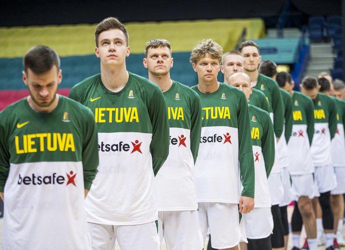 Sirgaliai kviečiami palaikyti Lietuvos rinktinę (BNS nuotr.)