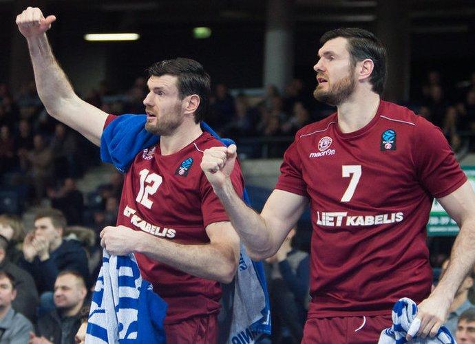Ar broliai Lavrinovičiai baigs karjerą kartu? (www.kavolelis.lt)
