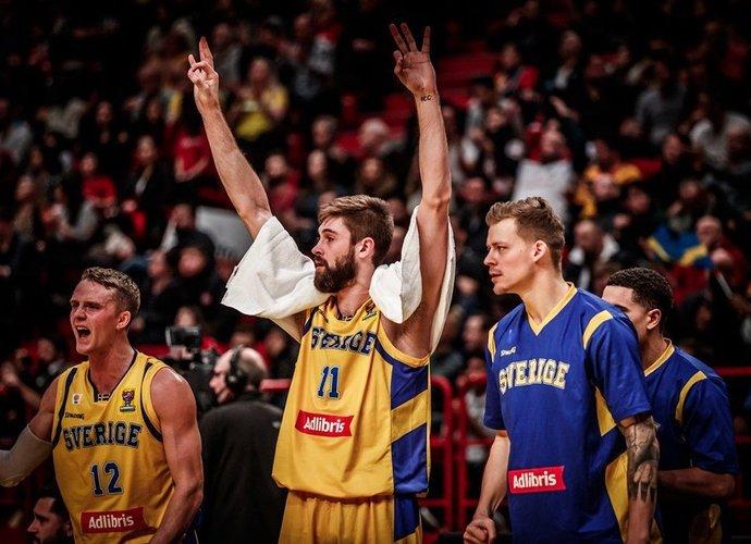 Švedai pasiekė puikią pergalę (FIBA nuotr.)